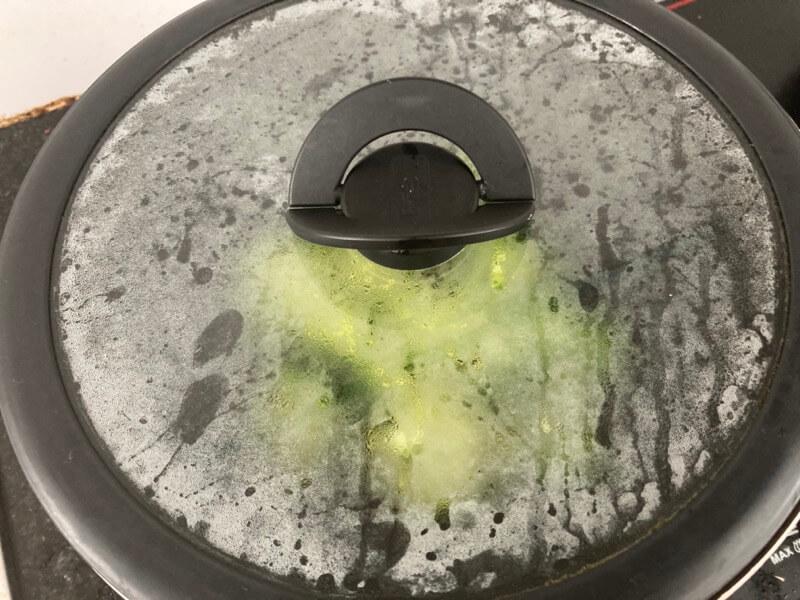 ブロッコリー フライパン 蒸す