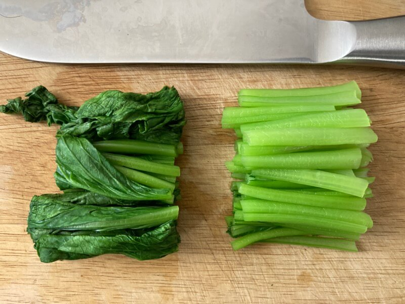 小松菜 食べやすい長さに切る